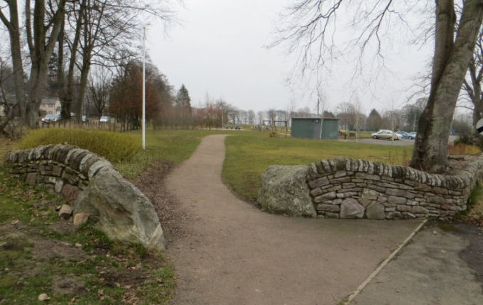 Path into Larghan Park